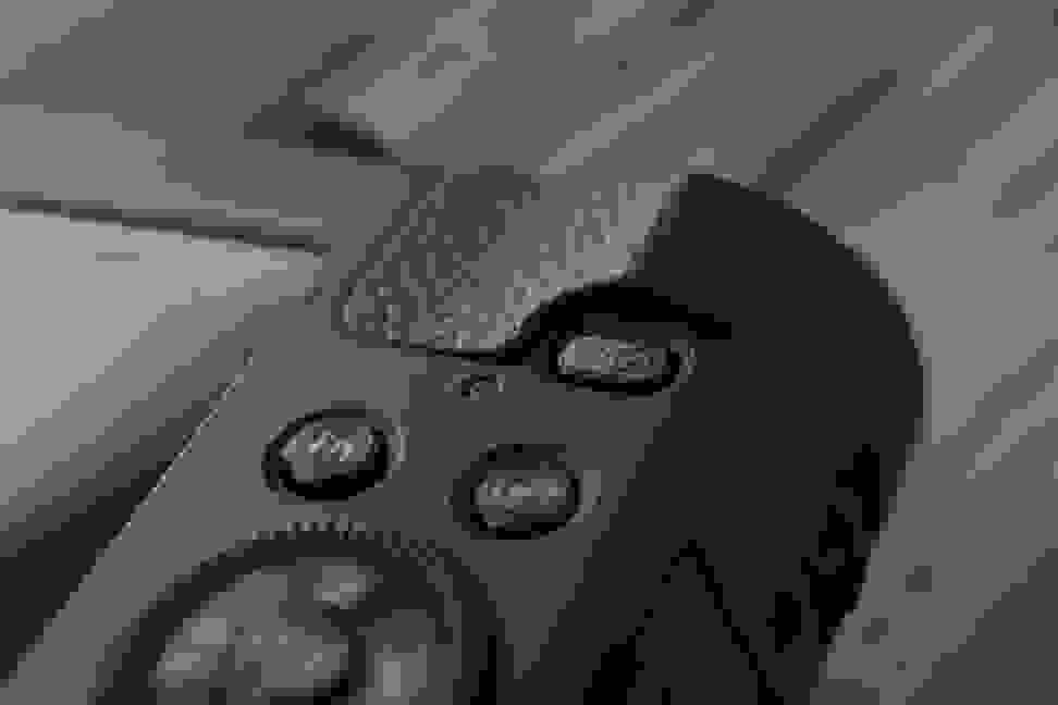 Panasonic-ZS40-review-design-wifi.jpg