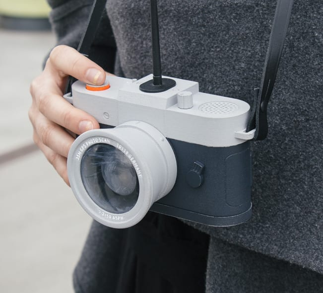 Camera Restricta Front