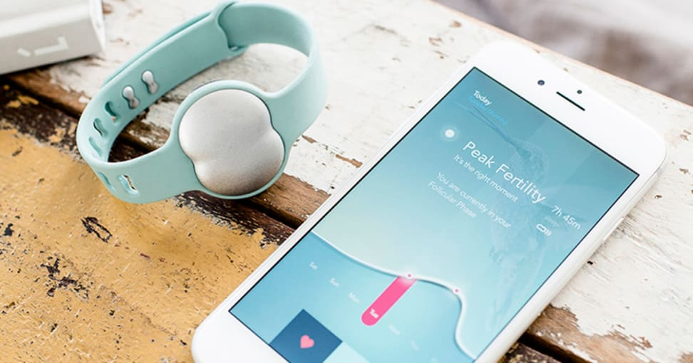This fertility bracelet tells you when you're ovulating.