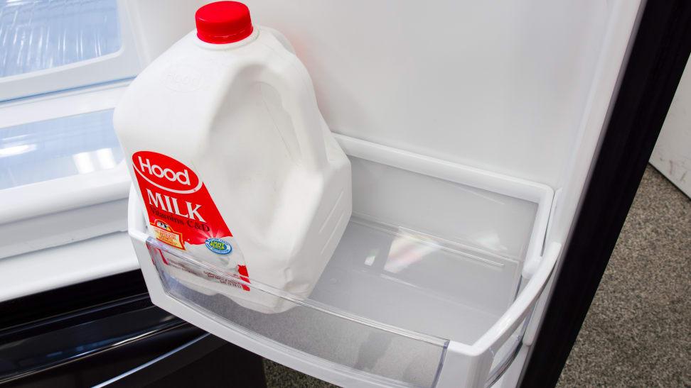 Whirlpool-WRF555SDHV-gallon-bin