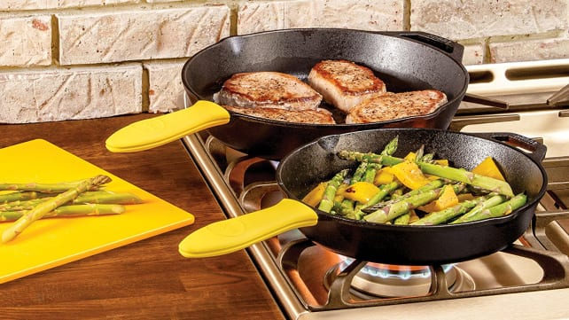 Best Gifts for Dad 2018 - Lodge Cast Iron Pan