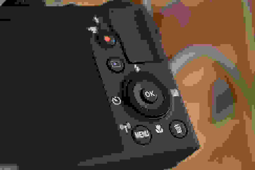 Nikon-coolpix-p340-review-design-back.jpg