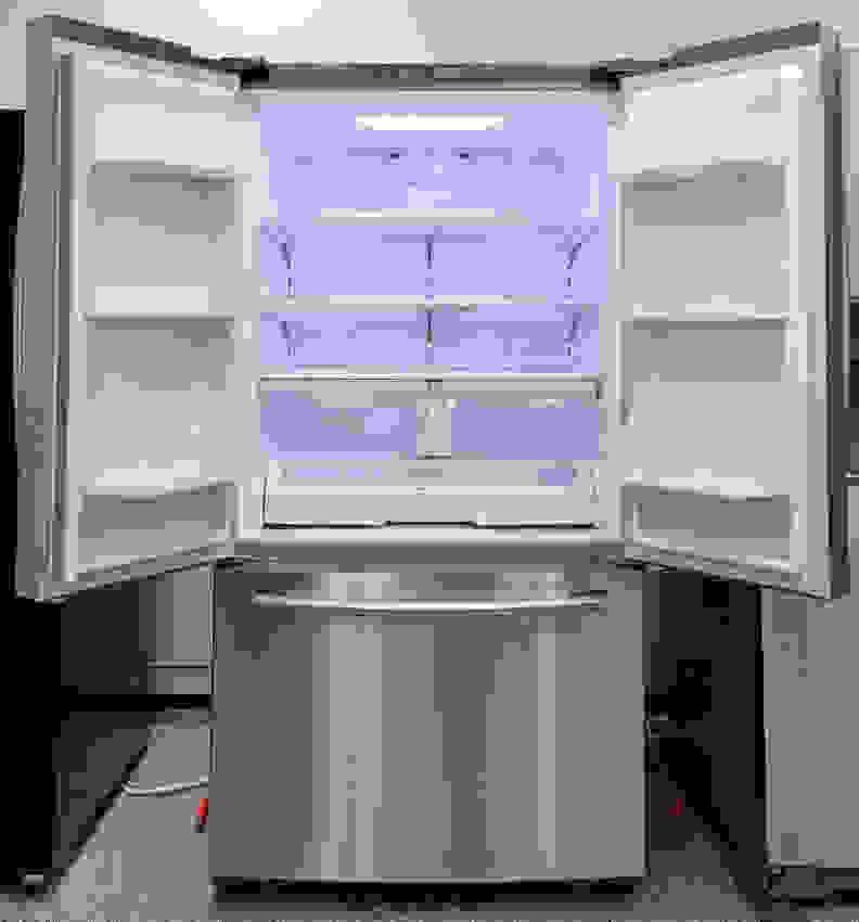 Samsung RF260BEAESR Interior