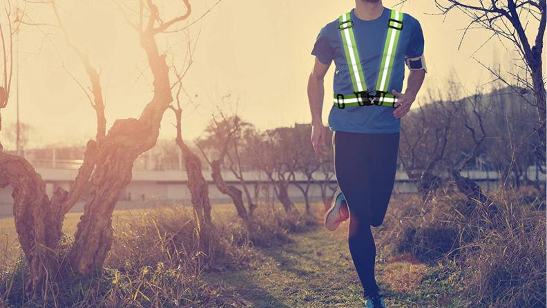 Best gifts for runners 2018 VIZ reflective vest