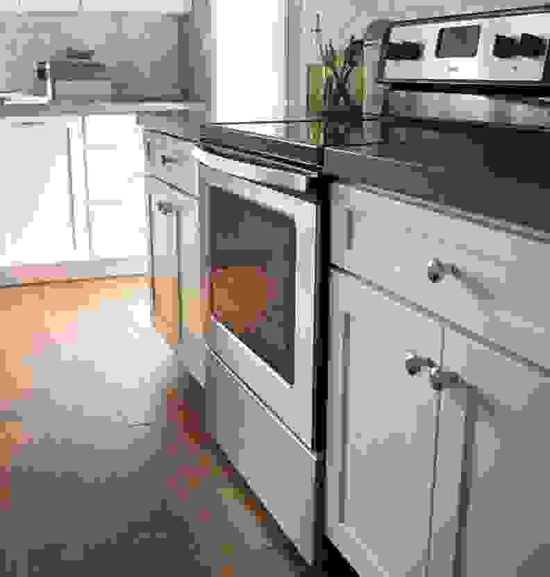 The Whirlpool WFE515S0ES electric range