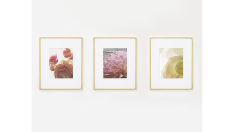 Best engagement gifts: Wall art frames