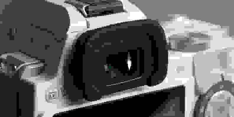 pentax-k-s1-review-design-viewfinder.jpg