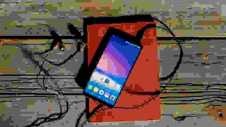 LG V30 Hero 3