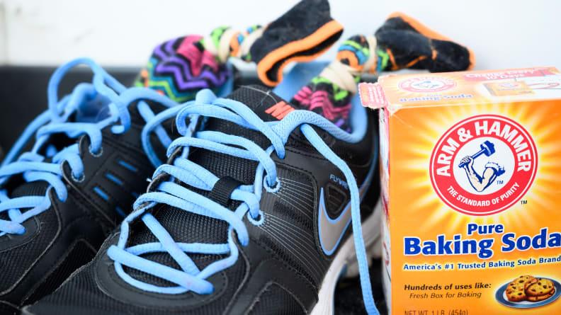 Baking_soda_sneakers