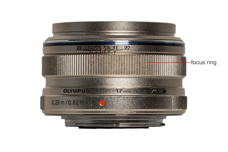 Top view of the Olympus M.Zuiko 17mm f/1.8.