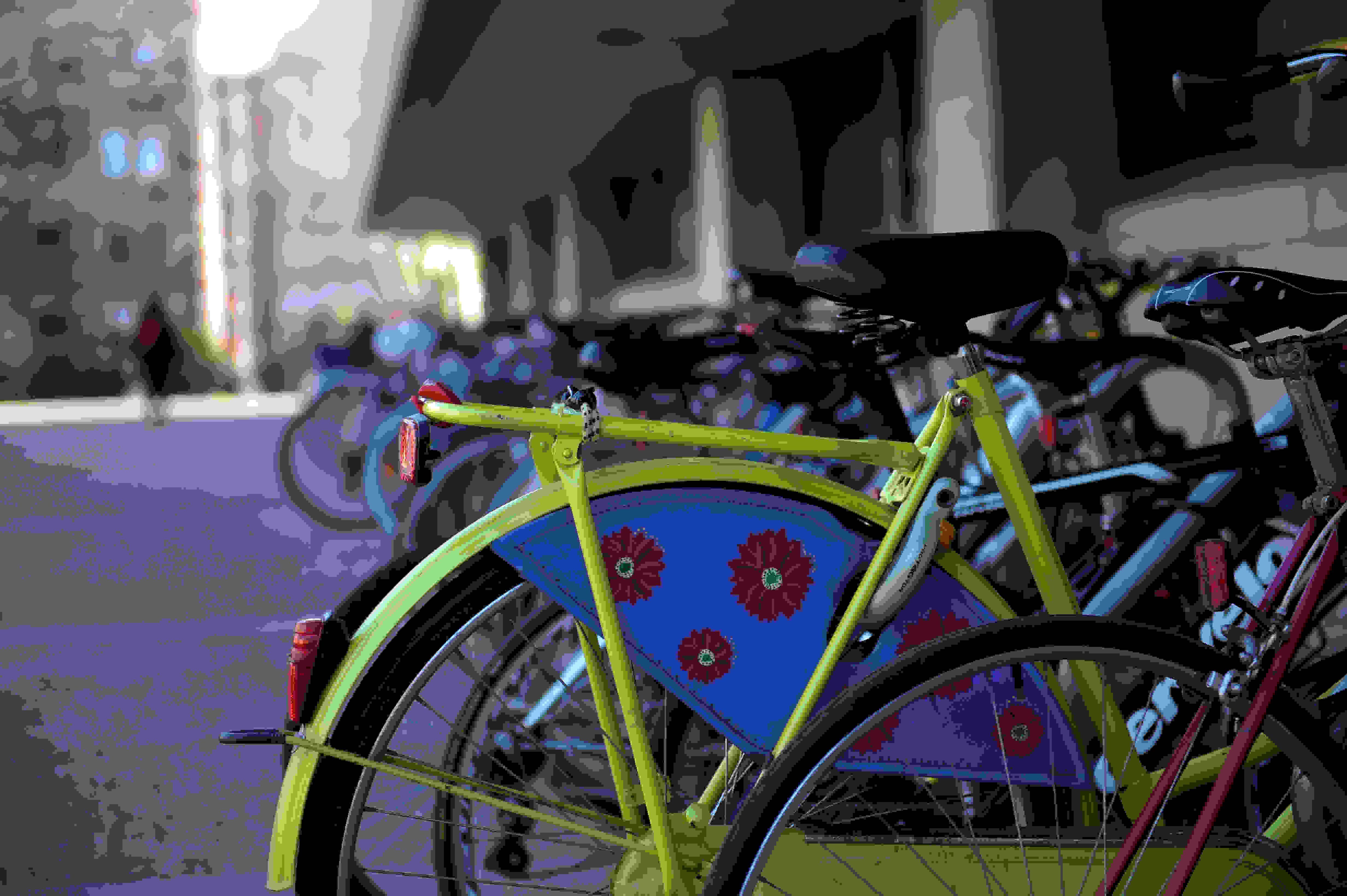 MIT kids apparently like their bikes, and the Nikon D4S likes its shallow depth of field.