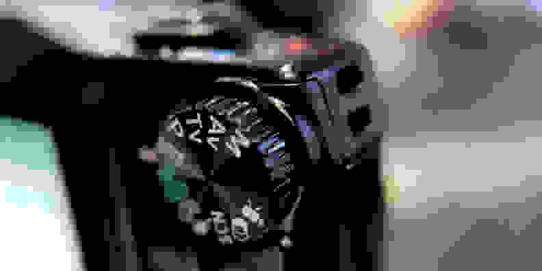 CANON-SX710-FI-DESIGN-DIAL.jpg