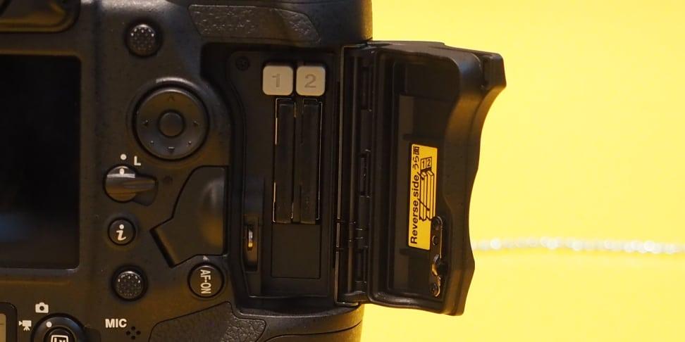 Nikon D5 Dual XQD Slots