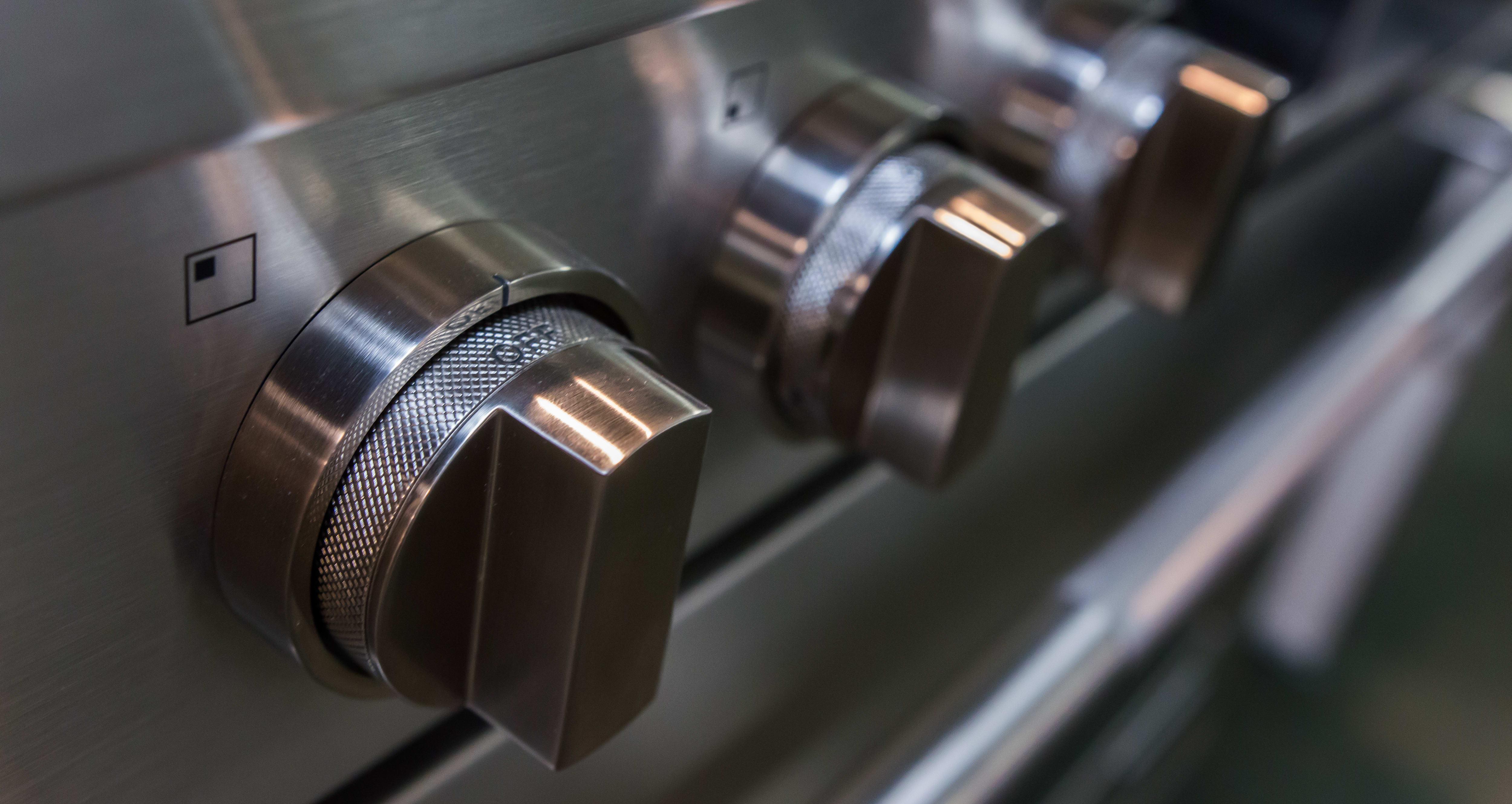 Rangetop control knobs