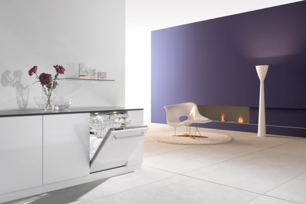 A Futura Diamond dishwasher in an open floor plan kitchen and living room.
