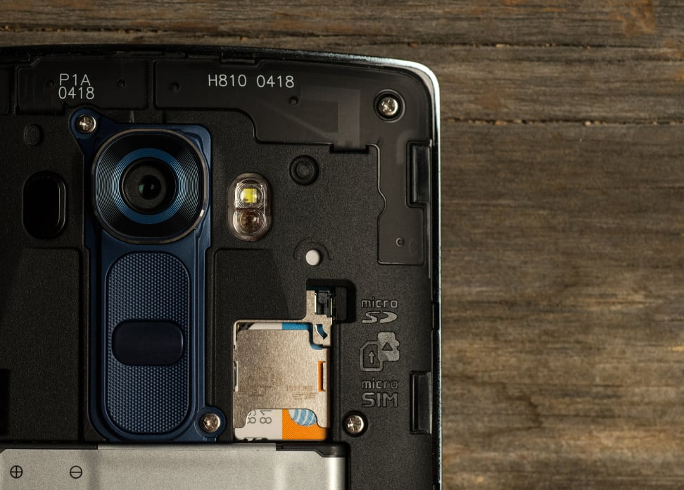 The SIM card slot on the LG G4 smartphone