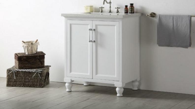 Houzz-white-vanity-with-quartz-countertop