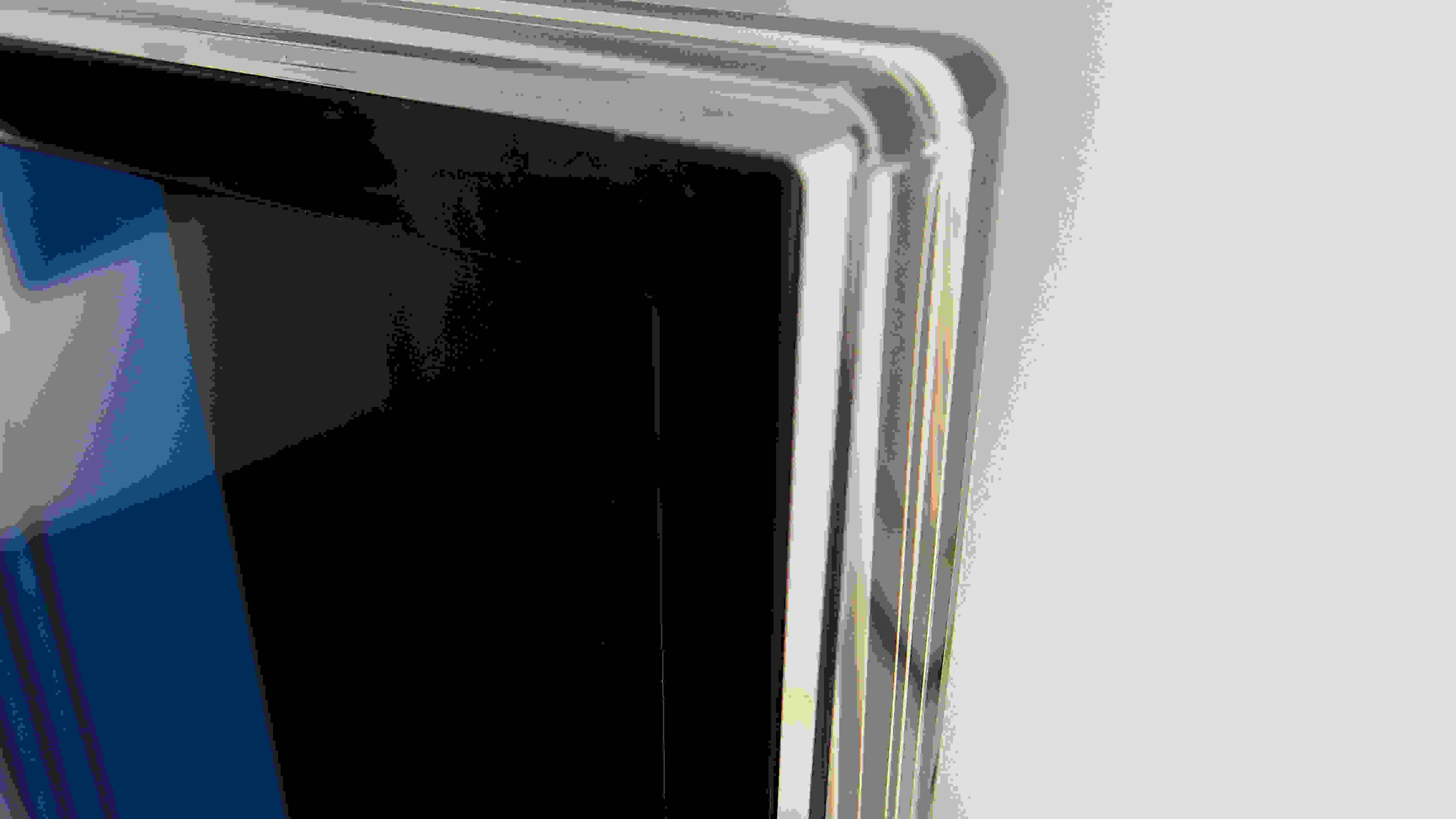 The Samsung UN48H6400 has a thin plastic strip around its perimeter.
