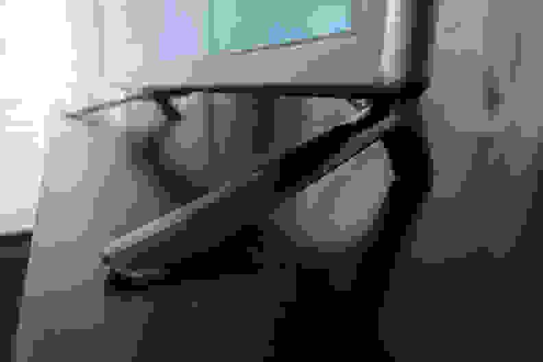 LG-LB560B-Stand.jpg