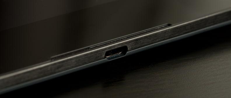 google-nexus-9-review-design-microusb.jpg