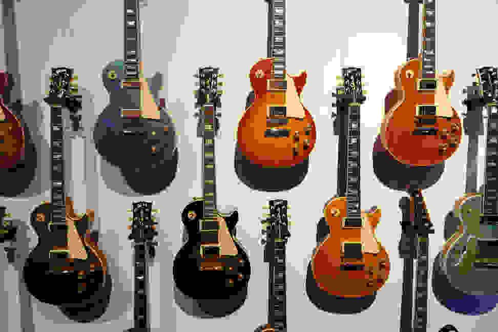 gibson_guitar_wall.jpg