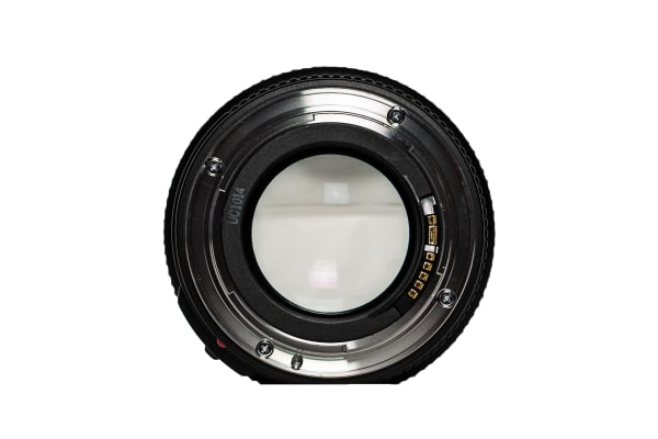 A rear view of the EF 35mm f/1.4L USM.