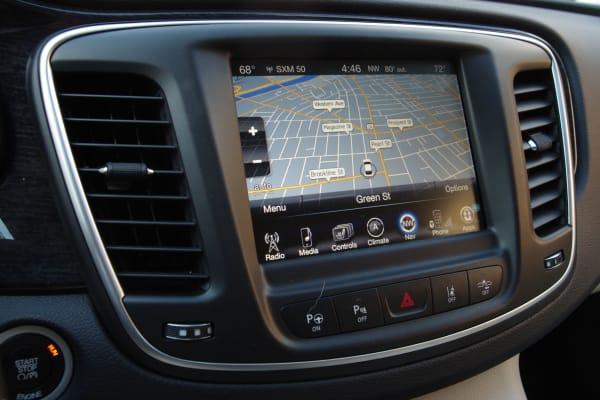 Chrysler 200 navigation