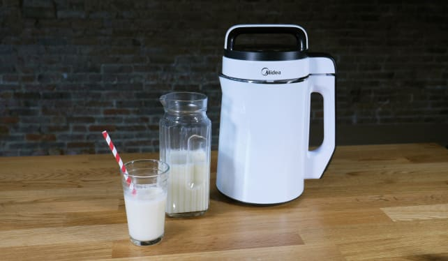 Midea NRG Milk Extractor and almond milk