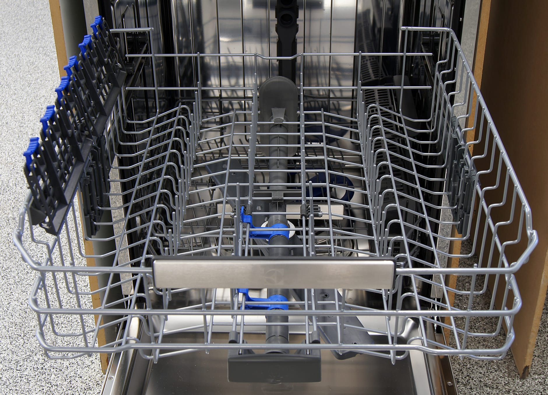 Electrolux EI24ID30QS top rack