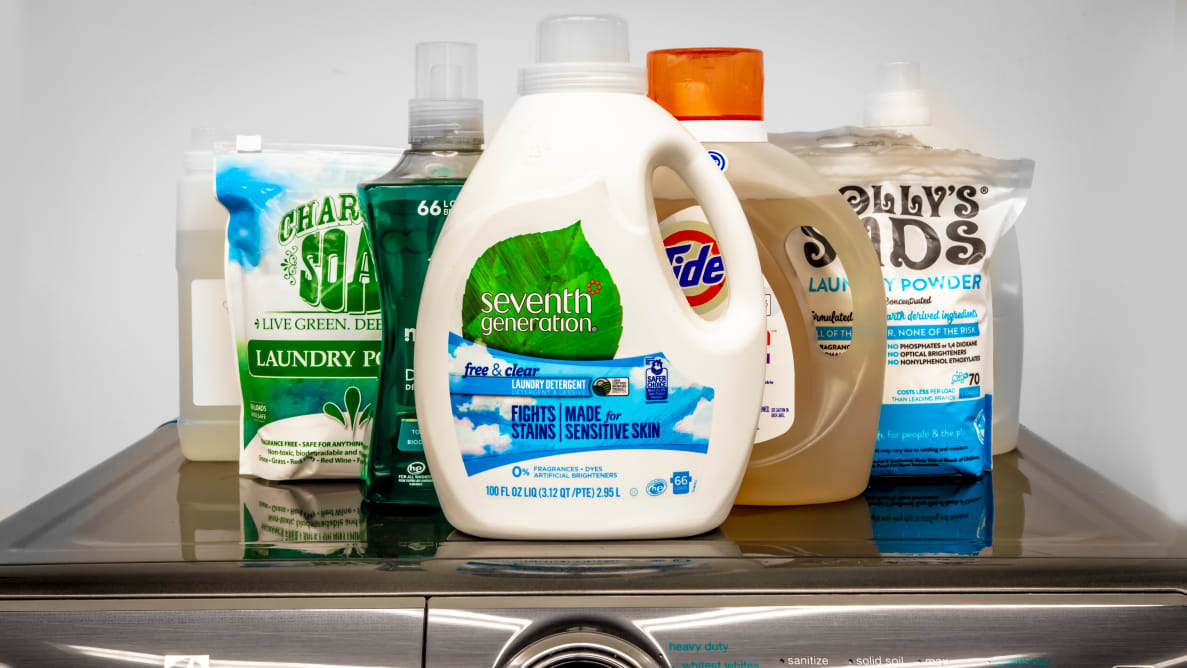 Test candidates in our eco-friendly detergent roundup