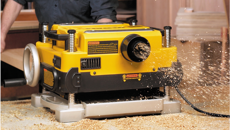 planer blowing dust