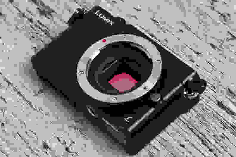 panasonic-lumix-gm5-review-design-sensor.jpg