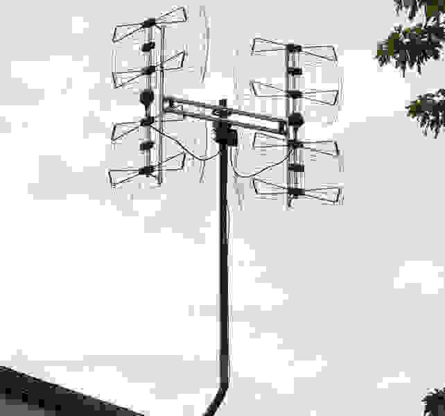 Antennas Direct DB8e Bowtie Outdoor HDTV Antenna
