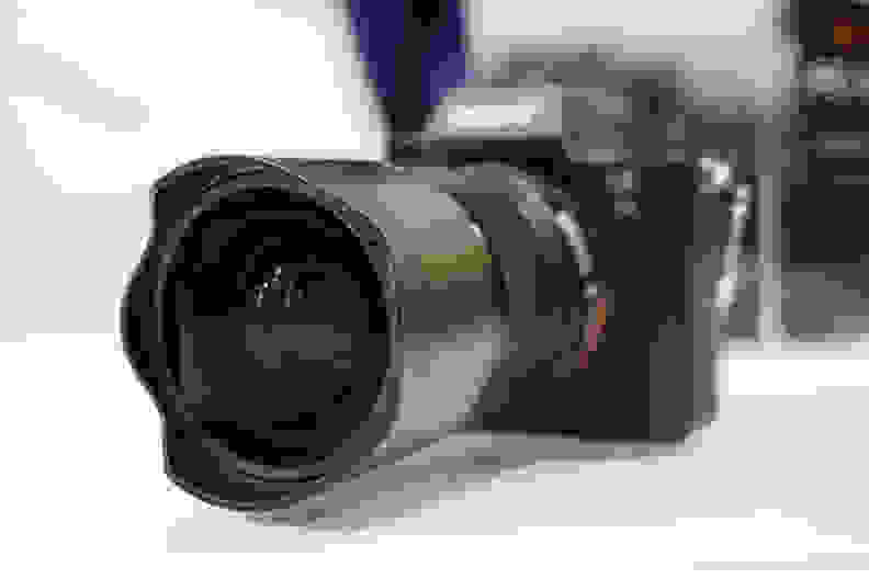 Sony FE 28mm f/2 – 21mm Converter