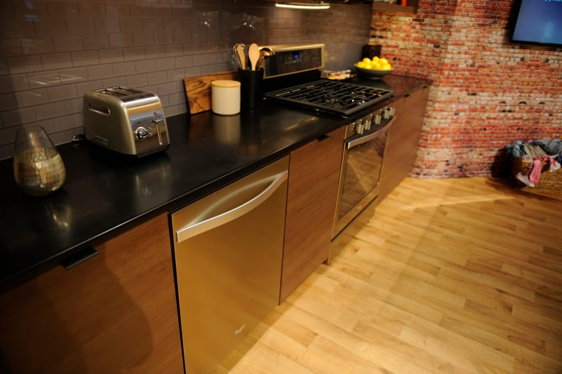 Sunset Bronze dishwasher and oven.JPG
