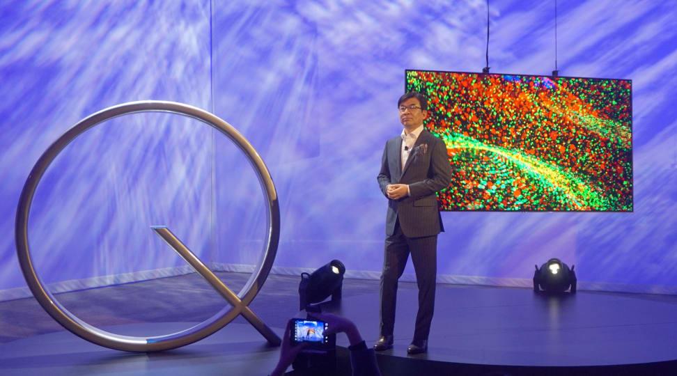 Samsung's HS Kim unveils the 2017 TVs