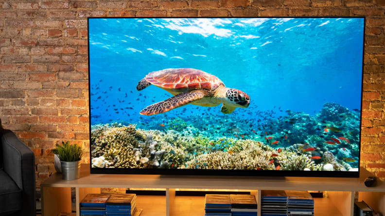 LG E9 with HDR Dolby Vision Content 2