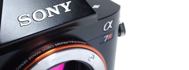 SONY-A7R-REVIEW-DESIGN-HERO.jpg