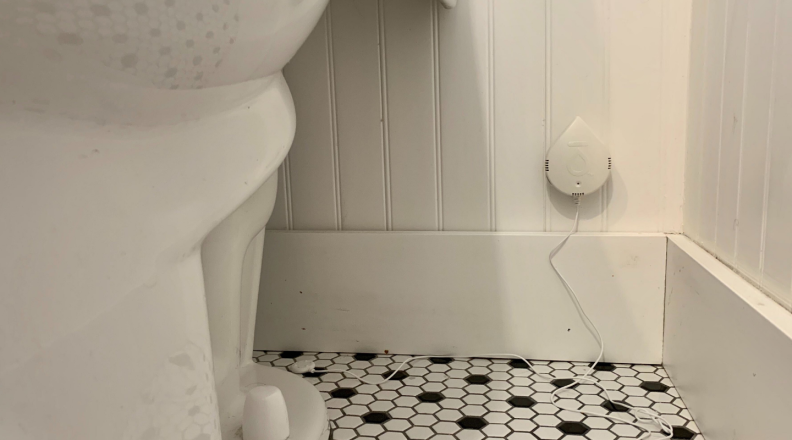 Flo by Moen Smart Water Leak Detector