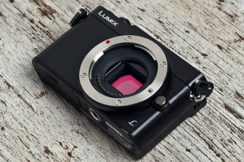 panasonic-lumix-gm5-review-design-sensor.jpg