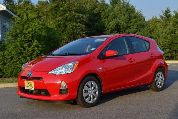 Product Image - 2012 Toyota Prius c Four