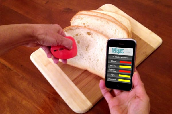 Scanning a slice of bread with the TellSpec.