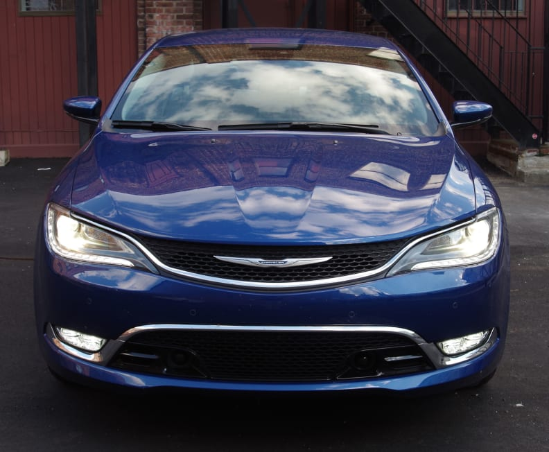 Chrysler 200 front view