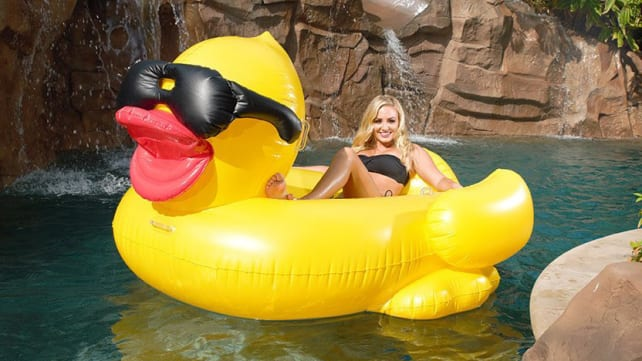 Game Giant Derby Ducky