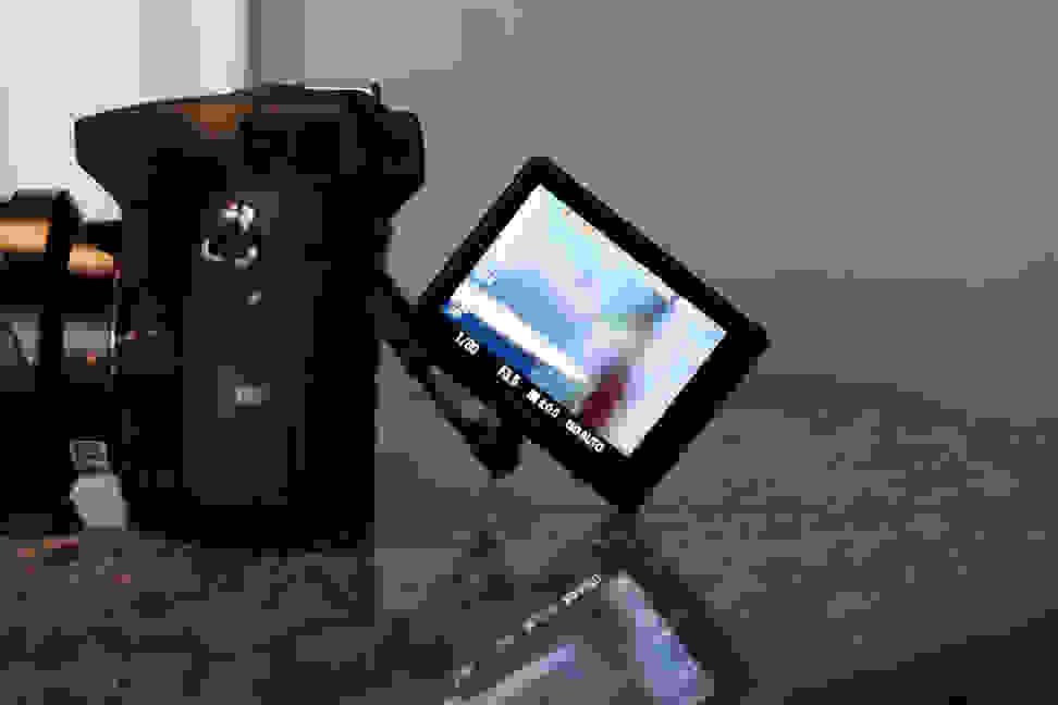 SONY-A77-II-LCD1.jpg