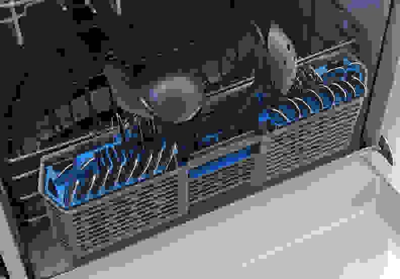 GE Artistry ADT521PGFWS—Cutlery Basket Capacity