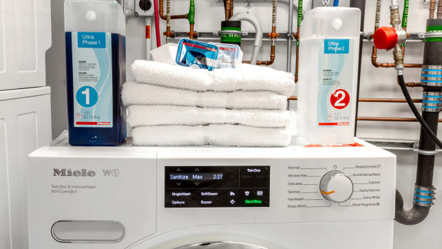 Best Compact Washer: Miele W1 WWH860