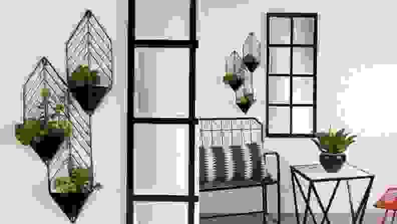 Regnier wall planter