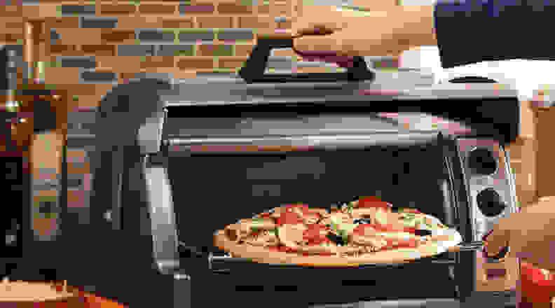 Hamilton Beach 6 Slice Easy Reach Toaster Oven
