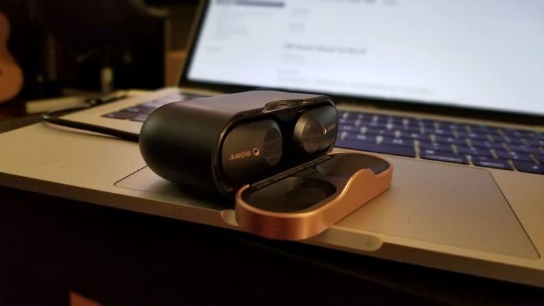 Sony-WF-1000XM3-On-Laptop